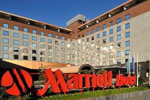marriott hotel signage